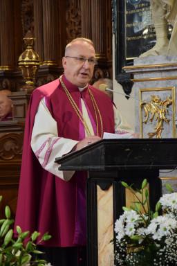 Ksiądz prałat Jan Biedroń, dziekan kapituły katedralnej w Sandomierzu