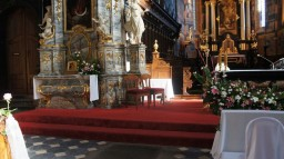 Ślub 27.09.2014. Ołtarz główny i boczny.