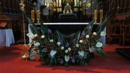 Niedziela 16.11.2014. Ołtarz główny.