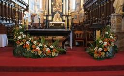 Wszystkich Świętych 01.11.2015 Ołtarz główny.