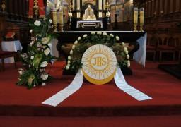 I Komunia Św. 07.05.2017. Ołtarz główny.