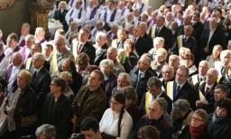 Tłumy wiernych żegnały bp. Wacława