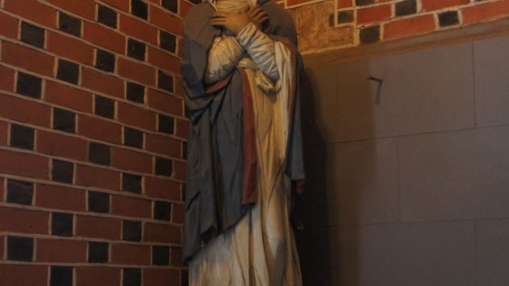 Figura Matki Boskiej Bolesnej.